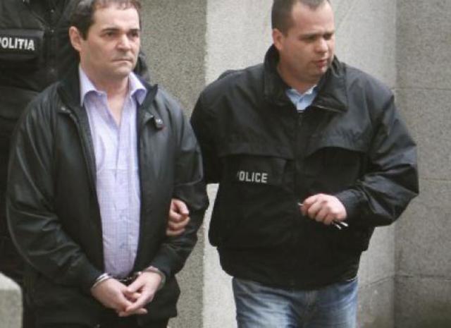 Mihai Necolaiciuc a fost ridicat de poliţişti şi dus la Penitenciarul Rahova, unde a fost încarcerat Foto: www.stiri.com.ro