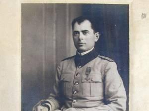 Maiorul Anton Ionescu a fost copleşit de emoţii la intrarea în Suceava