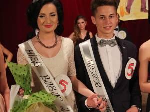 Ioana Grigoraş şi Sebastian Ojică au fost desemnaţi Miss şi Mister Boboc 2014