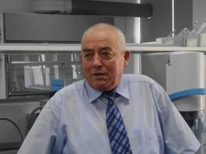 "Prof. univ. dr. ing. Gheorghe Gutt: ""Spectromicroscopul a prezentat interes la eveniment"""