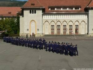 """Colegiul Naţional Militar """"Ştefan cel Mare"""" din Câmpulung Moldovenesc Foto: www.colmil_sm.forter.ro"""