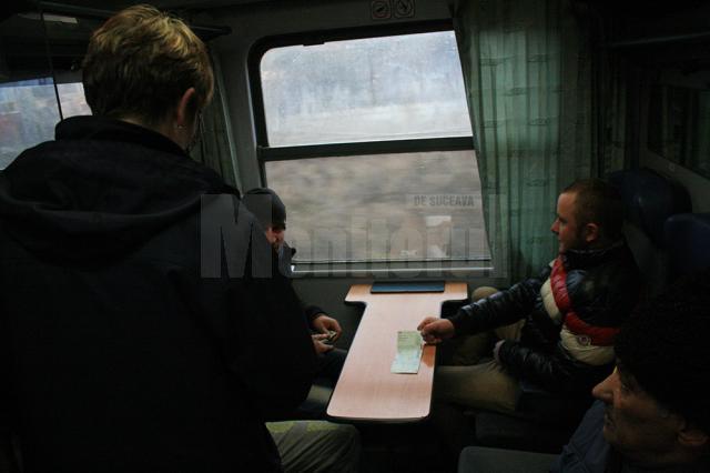 În cadrul acţiunii au fost verificaţi 1.300 de pasageri din opt trenuri care au circulat pe această distanţă