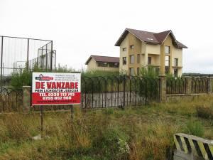 Preţul care trebuie achitat pentru a intra în posesia imobilului este de 198.540 de euro fără TVA