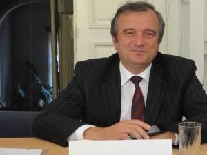Viceprimarului Tiberiu Epifanie Maerean, delegat cu atribuţiile primarului municipiului Rădăuţi