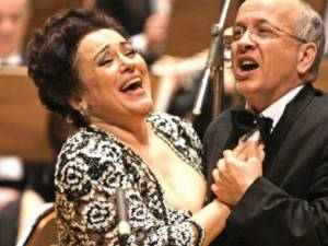 """Soprana Leontina Văduva şi tenorul Robert Nagy, invitaţi speciali în spectacolul """"Vienna Classic Christmas"""". Foto: adevarul.ro"""