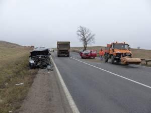 Accidentul s-a produs din cauza neadaptării vitezei în curbă, pe un carosabil umed