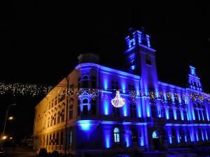 Sucevenii vor avea parte în fiecare seară de spectacole de sunet şi lumini la Palatul Administrativ