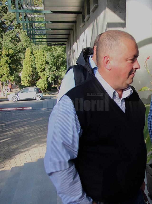 Nicolae Chiriac nu a putut fi contactat pentru a-şi exprima un punct de vedere vizavi de acuzaţiile care i se aduc