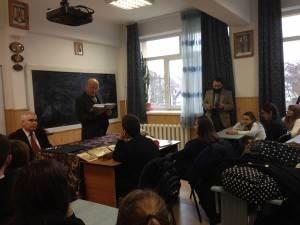 Criticul şi istoricul literar Nicolae Cârlan, la Şcoala Ion Creangă
