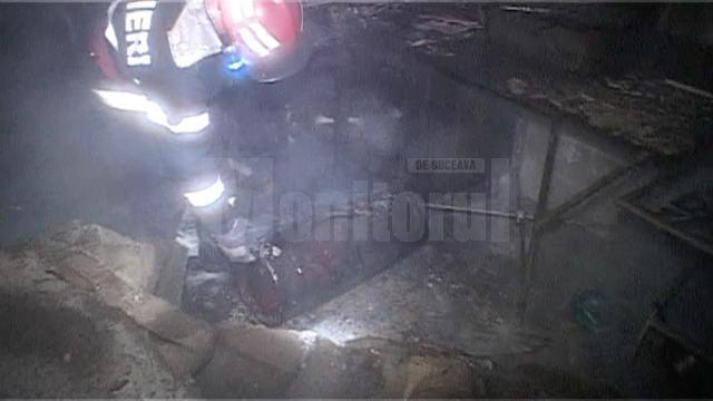 Explozia nu s-a produs din cauza unei scăpări de gaze, cum s-a crezut iniţial, ci după ce o butelie a explodat violent şi a luat foc