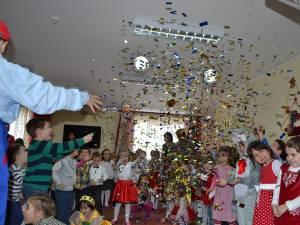 Grădiniţa Aşchiuţă îi sărbătoreşte pe cei mici