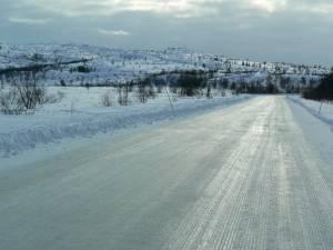 Recomandări pentru siguranţa circulaţiei rutiere în condiţii de polei, FOTO: www.panoramio.com