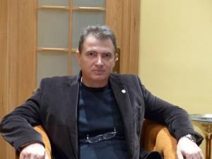 """Marius Nistor: """"Categoric, dacă e să vedem partea plină a paharului, nici un coleg nu se aştepta să primească în luna decembrie banii aferenţi lui 2015, după un an atât de tulbure cum a fost 2014"""""""