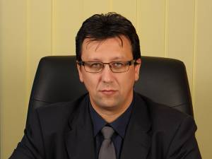 Directorul Administraţiei Judeţene a Finanţelor Publice Suceava, Petrică Ropotă