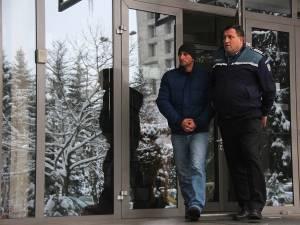 Poliţistul Gheorghiţă Drăgoi, închis de procurori, eliberat de judecători
