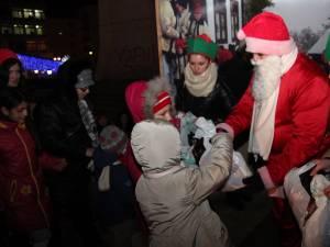 Moşul a adus cadouri copiilor din Suceava şi anul trecut