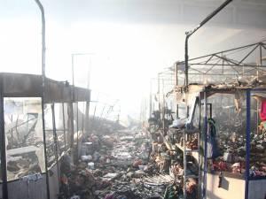 Imaginea dezolantă a centrului comercial distrus de flăcări