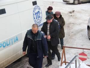 Săvel Botezatu şi casiera Primăriei Udeşti, Marinela Borza, au fost arestaţi la începutul acestei luni pentru mai multe acuzaţii