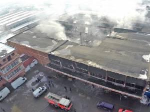Flăcările au făcut prăpăd, înghiţind toate cele 141 de standuri
