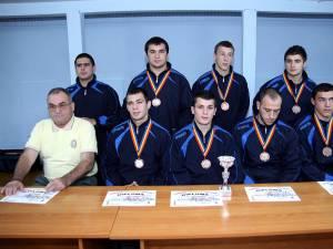 Constantin Tăpârjan, alături de o parte dintre elevii săi