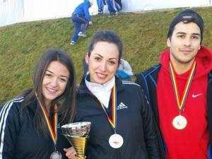 Cei trei medaliați ai CSI Vatra Dornei, Ramona Arcoș, Delia Ivaș și Dorin Velicu