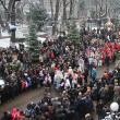 Mii de suceveni s-au adunat în Centru pentru a-i primi pe urătorii veniţi din întreg judeţul
