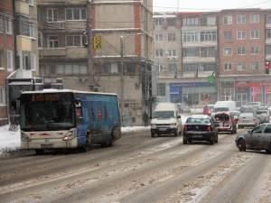 De Revelion, programul autobuzelor de pe liniile 2 şi 4 a fost prelungit până spre ora 2.00
