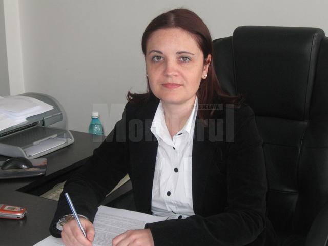 """Anda Sălăgean: """"Vom informa asiguraţii care nu au intrat în posesia cardului naţional data la care va demara activitatea de distribuire a acestui document, prin instituţia noastră"""""""