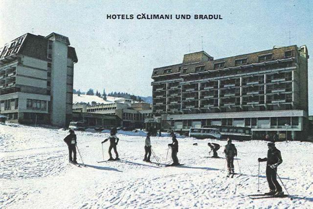 Hotelurile Bradul si Călimani au atras un număr foarte mare de turişti înainte de 1989. Foto: Dorna – Watra