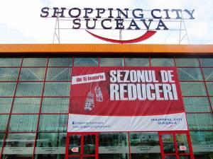 Magazinele din marile centre comerciale vin cu reduceri de până la 80%, din 15 ianuarie