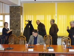 Consilierii PSD au părăsit sala de şedinţa în semn de protest faţă de proiectul de schimbare a viceprimarului Gavril Vîrvara