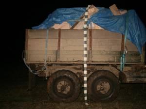 Camionul încărcat cu ţigările de contrabandă