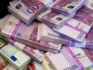 Sucevenii care s-au împrumutat la bănci au încheiat anul trecut cu o valoare a creditelor restante de peste 100 de milioane de euro