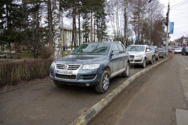 Parcări pe strada Universităţii, Suceava