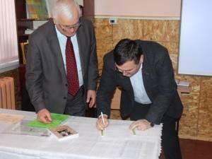 """Protocol de colaborare între Liceul Tehnologic Cajvana şi Liceul Teoretic """"Pan Halippa"""" din Edineţ"""