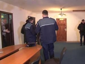 Percheziţiile au vizat biroul consilierului primarului din Preuteşti, moştenitorul a mari suprafeţe de pădure