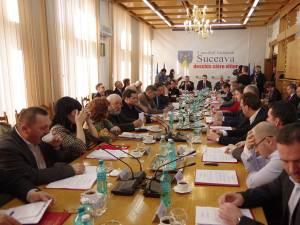 Consilierii județeni PSD, PNL și independenții au votat în unanimitate formula de buget propusă de președintele Cătălin Nechifor