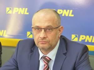 Copreşedintele Organizaţiei Judeţene Suceava a noului PNL, deputatul Alexandru Băişanu