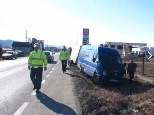 O autoutilitară înmatriculată în Suceava a fost implicată într-un accident rutier care s-a petrecut ieri, în municipiul Bistriţa. Foto: bistriteanul.ro