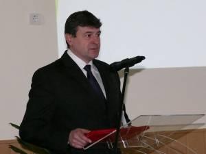 Primarul din Fălticeni, Cătălin Coman, a anunţat în cursul zilei de ieri că acest municipiu are în anul 2015 un buget cu 40% mai mare decât cel de anul trecut