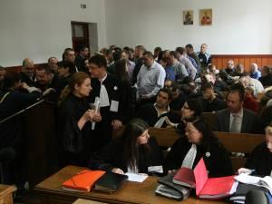 Inculpaţii şi avocaţii acestora solicită achitarea
