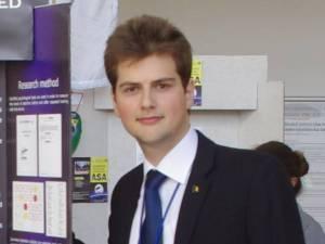 """Ştefan Dascălu, elev al Colegiului Naţional """"Petru Rareş"""" Suceava, va studia din toamnă la cea mai veche universitate din Marea Britanie, Oxford"""