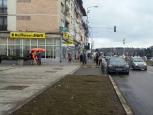 BMW lăsat în drum, în plin centrul oraşului