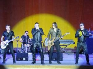 """""""Forever Love"""", un concert pe stilul fanilor trupei Direcţia 5, la Suceava"""