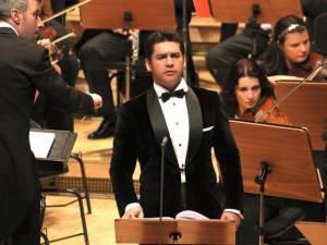 """Tenorul sucevean Teodor Ilincăi va concerta pe scena Auditoriumului """"Joseph Schmidt"""" a Universităţii din Suceava"""