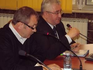 Lucrările firmei Pfeiffer au fost aspru criticate de preşedintele de şedinţă a CL, Adrian Arămescu, dar şi de primarul Sucevei