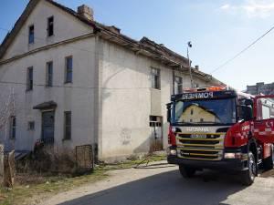 Incendiul a fost lichidat de pompieri înainte de a se extinde