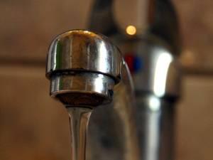 Furnizarea apei potabile va fi oprită luni