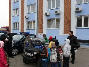 """""""Ziua Porţilor Deschise"""" la Inspectoratul de Jandarmi Judeţean Suceava"""