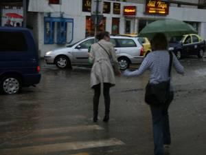 Informare meteo de vânt şi precipitaţii